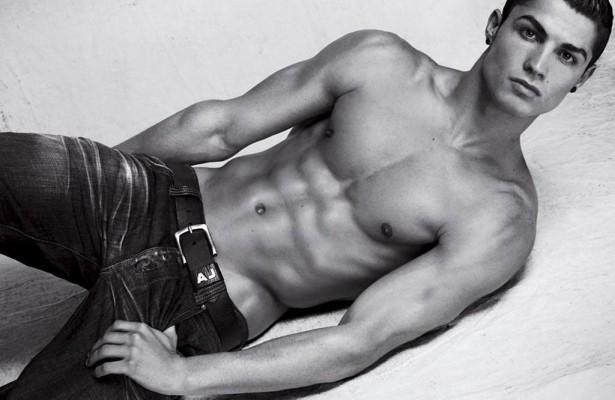 ronaldo topless