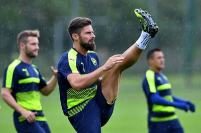 giroud-high-kick